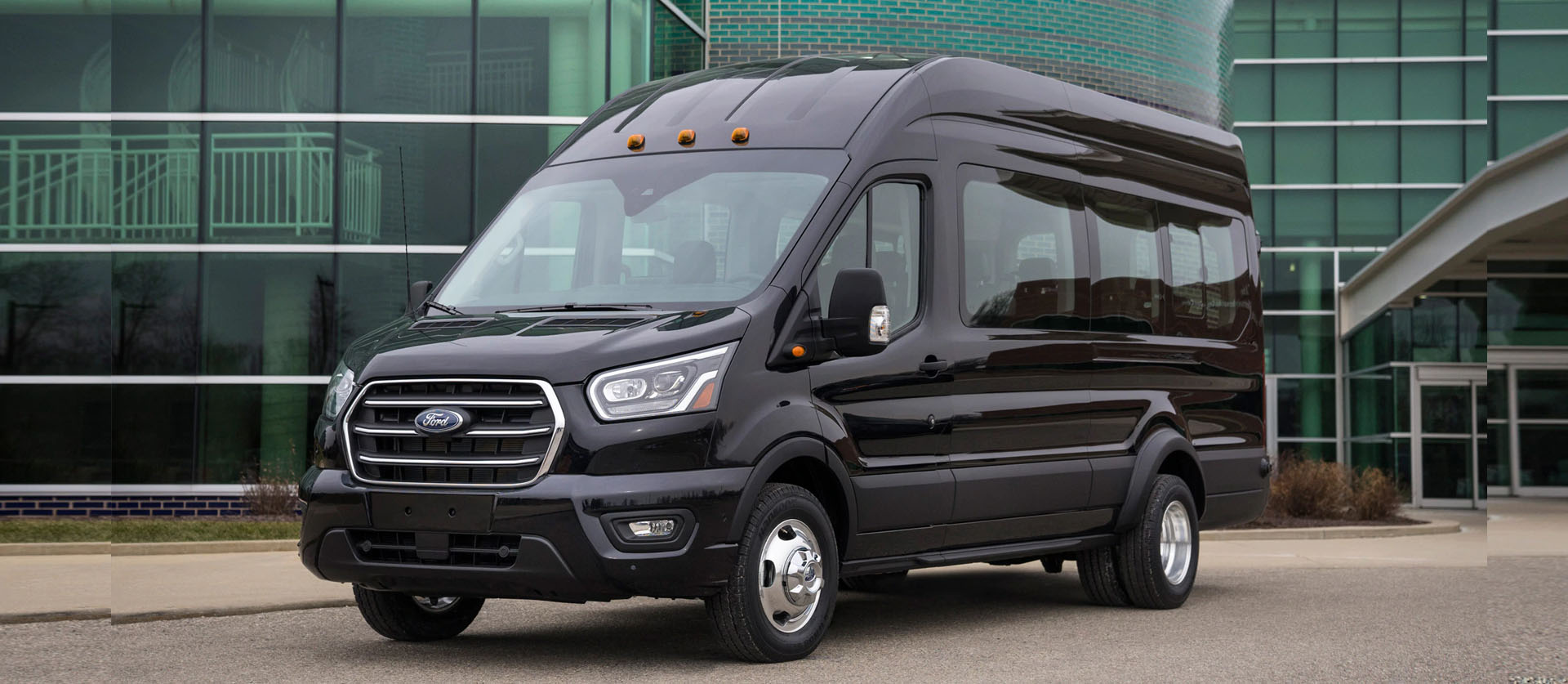 Minneapolis Luxury passenger Van Rental Service